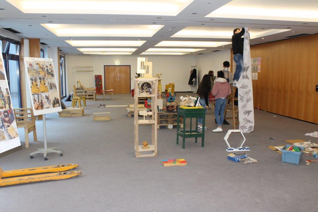 "Making of der Ausstellung ""Spuren"""